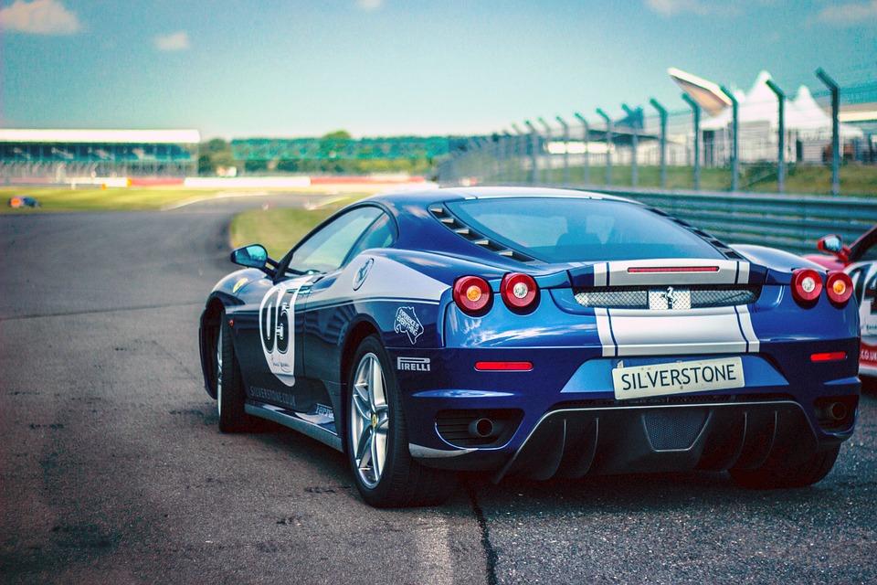 car-race-438467_960_720